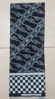 Seragam batik di Yogya