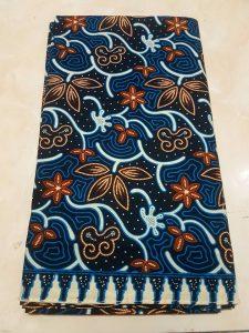 Seragam batik hotel modis dengan bahan 100% katun