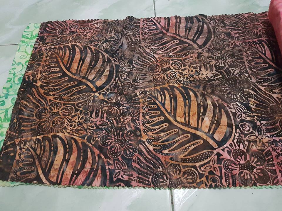 Cheap batik fabric with the original handmade the best for you