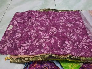 Cheap batik fabric in Helsinki with the original handmade