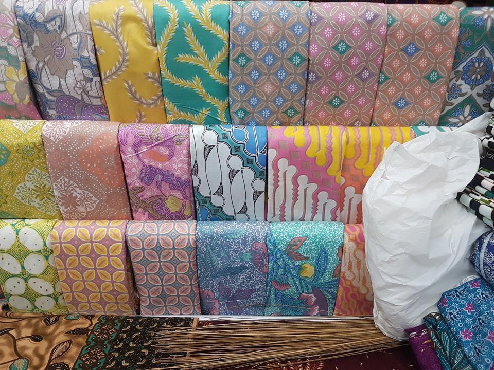 Seragam batik Blue Bird motif ekslusif