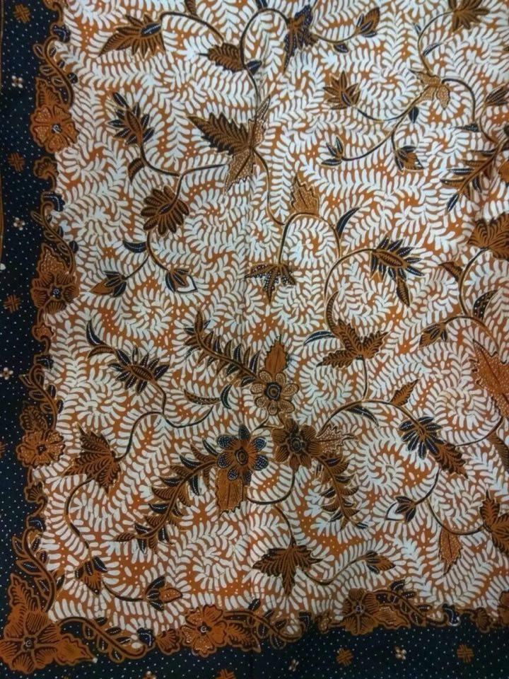 Baju batik sarimbit