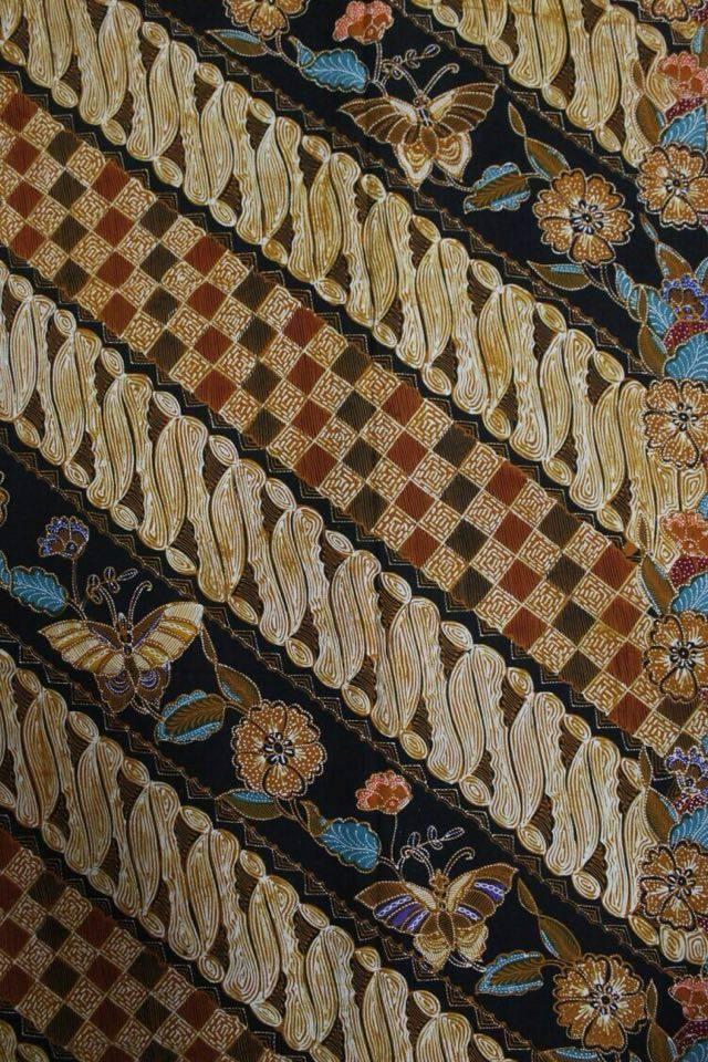 Seragam batik untuk keluarga