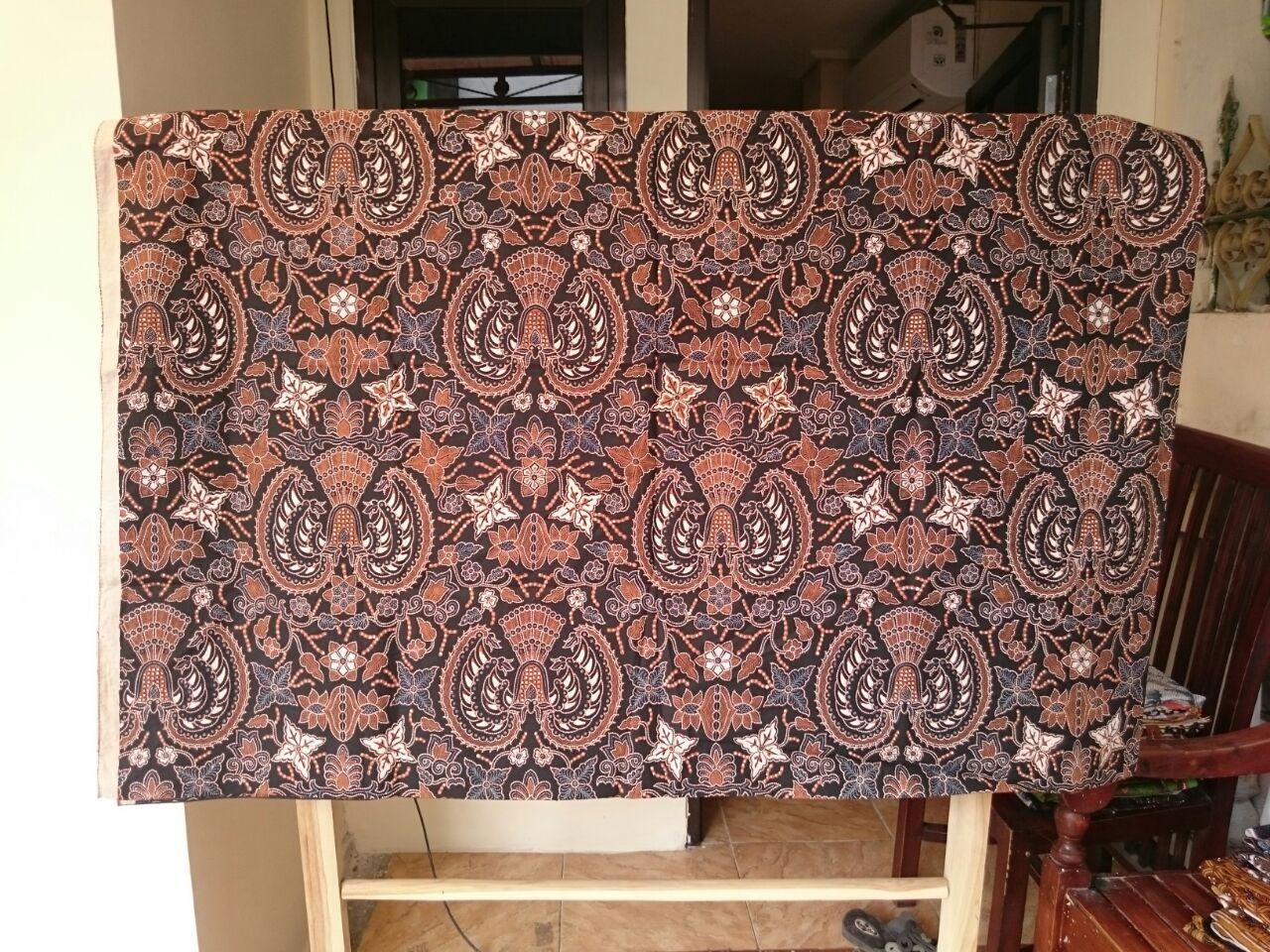 Kain batik Indonesia budaya asli yang masih lestari