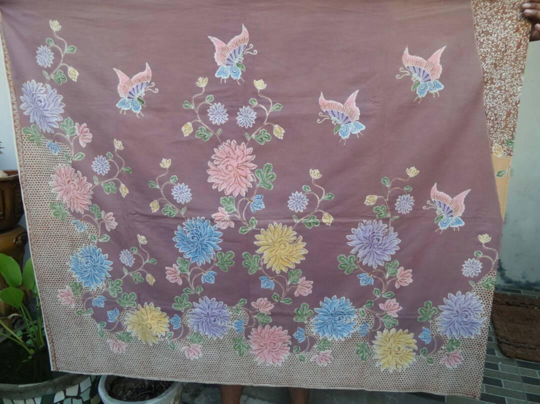 Batik tulis motif bunga
