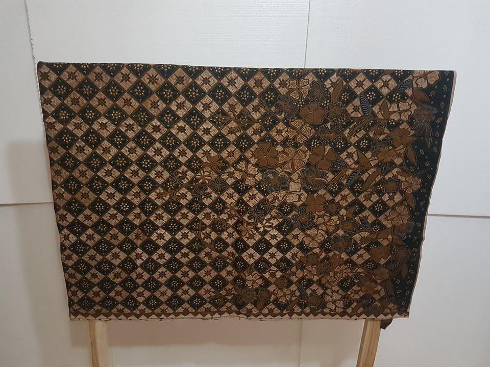 Seragam batik Perusahaan Gas Negara dengan kain katun