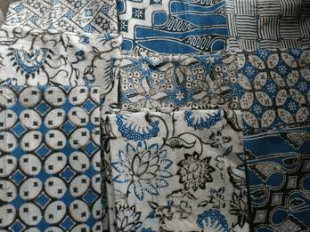 Toko batik murah dibuat dengan tehnik tradisional cap