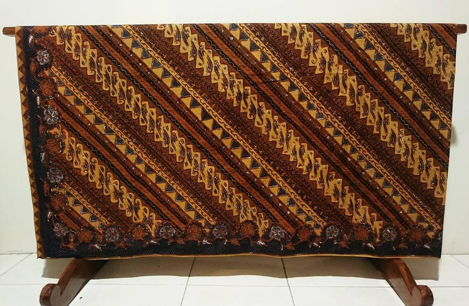 Batik tulis nasional dengan berbagai tehnik pembuatan