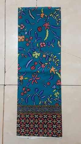 Seragam batik Surya Citra Media dengan tehnik handprint
