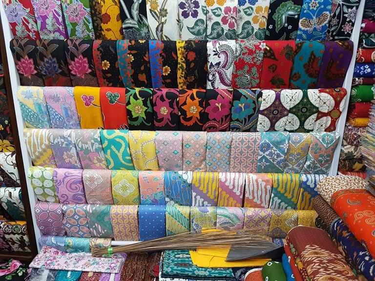 Seragam batik Surya Citra Media