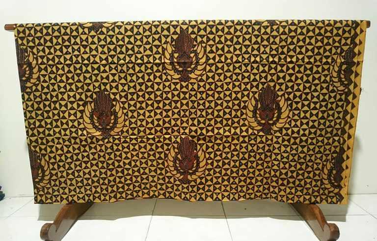 Batik tulis Lasem Sekar Mulyo khas rembang