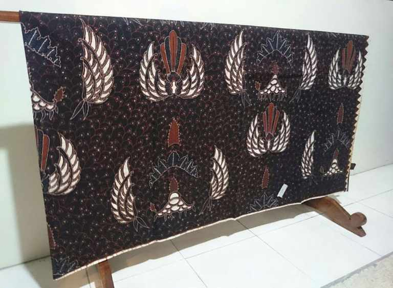 Batik tulis laweyan