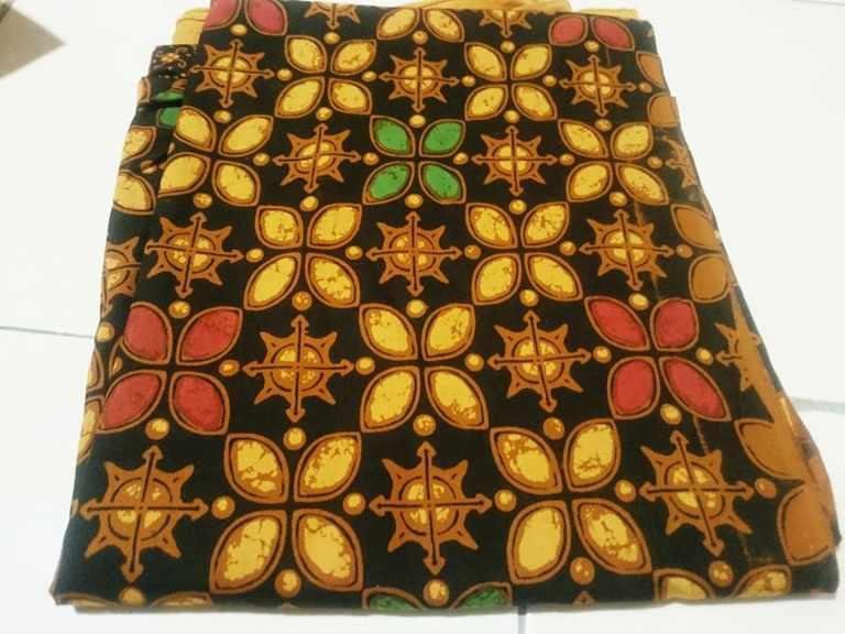 Tehnik pembuatan Seragam batik  menggunakan Plangkan cabut tolet