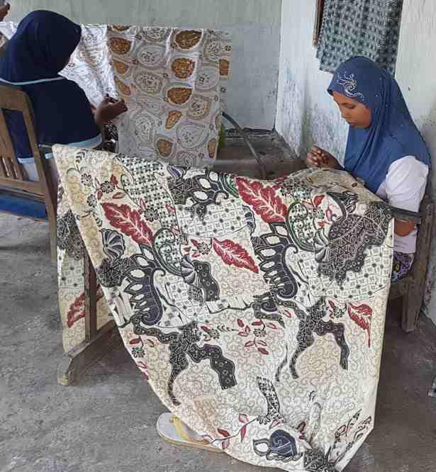 Tehnik pembuatan kain batik di Batikdlidir