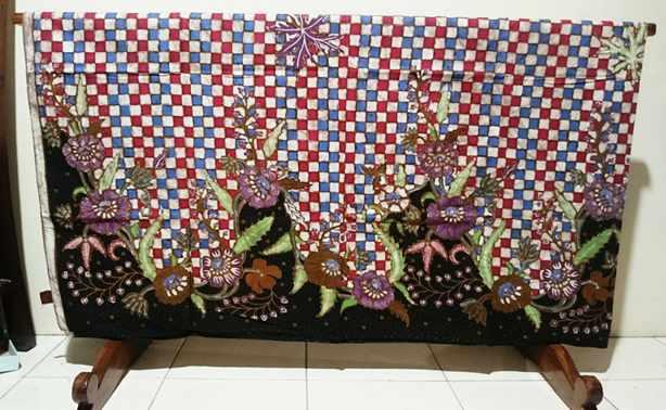 Tehnik pembuatan Seragam batik guru jakarta menggunakan Tulis Kombinasi