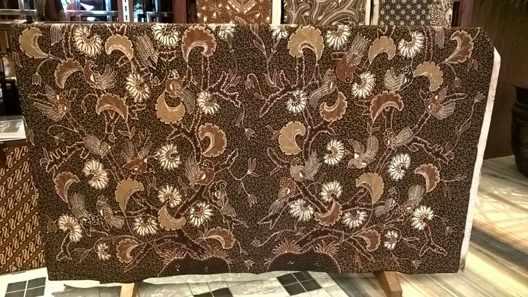 Batik tulis Nganjuk menghadirkan anjuk ladang