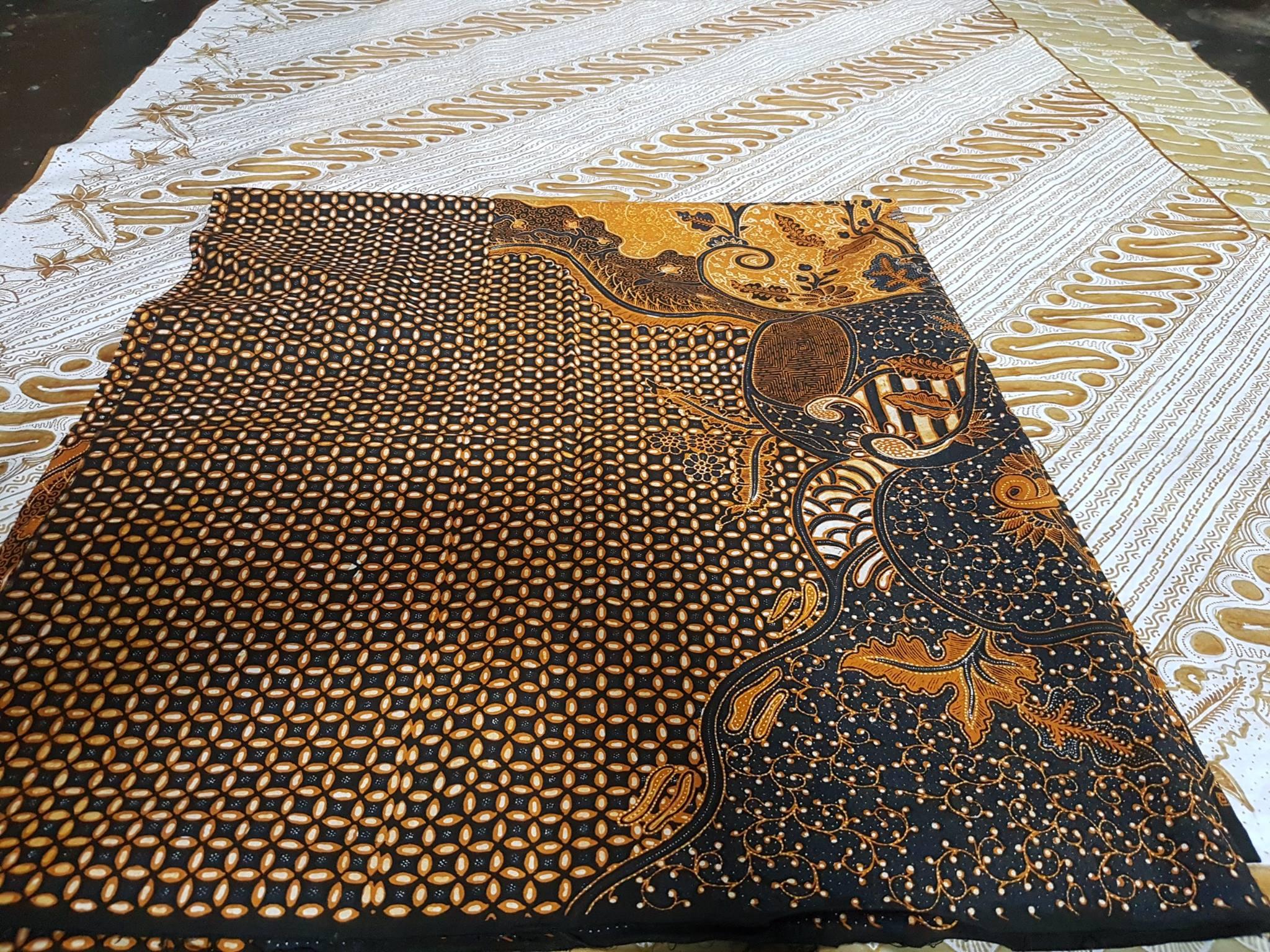 Batik tulis keris di Batikdlidir untuk seragaman, sarimbitan atau among tamu