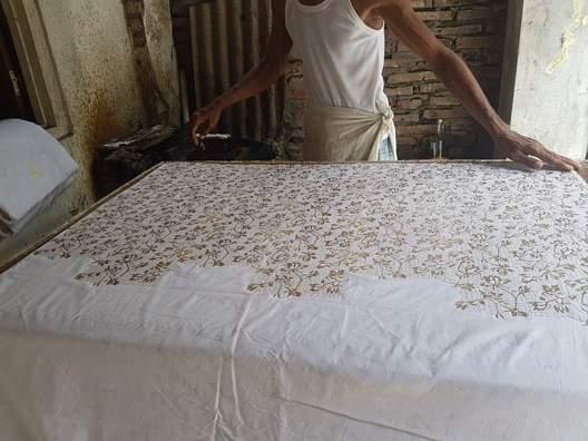 Keuntungan pembuatan Seragam batik sekolah Bandung di Batikdlidir