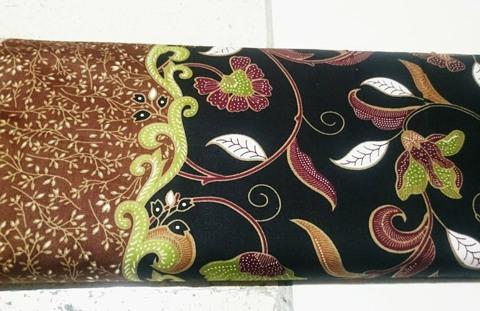 Tehnik pembuatan Seragam batik sekolah Depok menggunakan plangkan