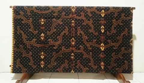 Batik tulis etnik bisa pesan di Batikdlidir