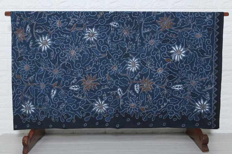 Batik tulis flora sesuai pesanan dari Anda