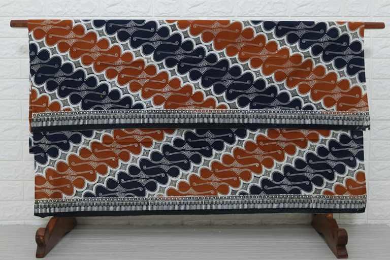 Bawahan kain batik modern