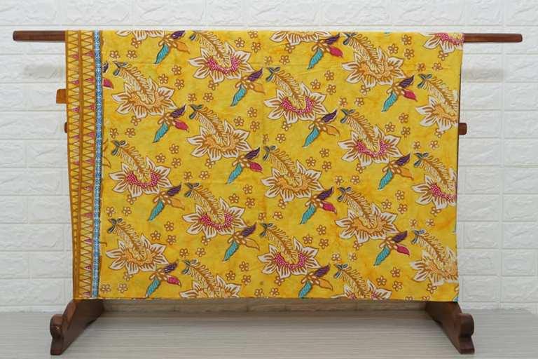 Contoh kain batik modern kombinasi