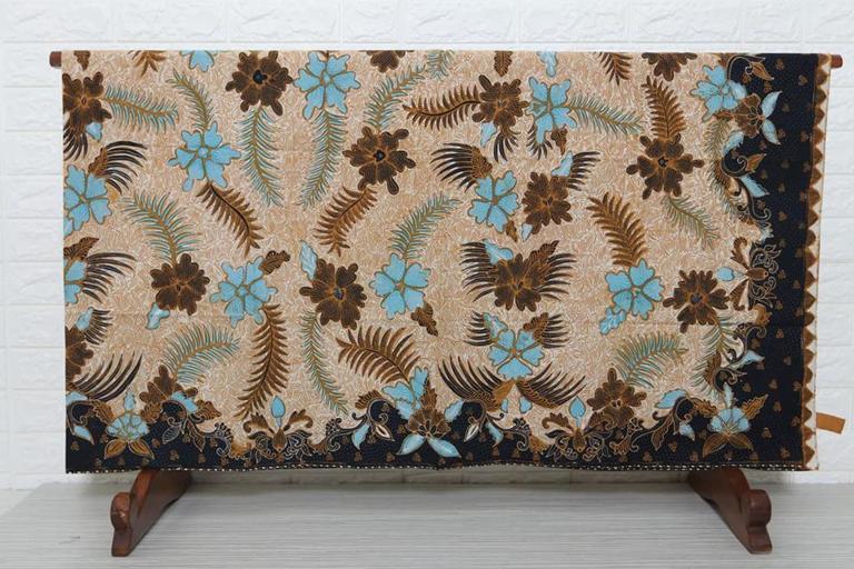Model baju batik berbahan katun terbaik