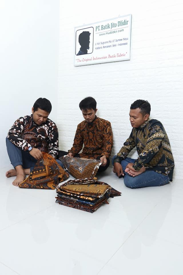 Seragam batik kantor, Mudzakir dan PT. Batik Jito Dlidir