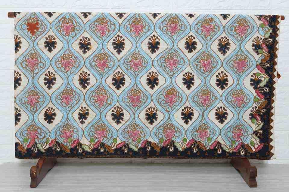 Seragam batik kantoran kualitas premium di Batikdlidir
