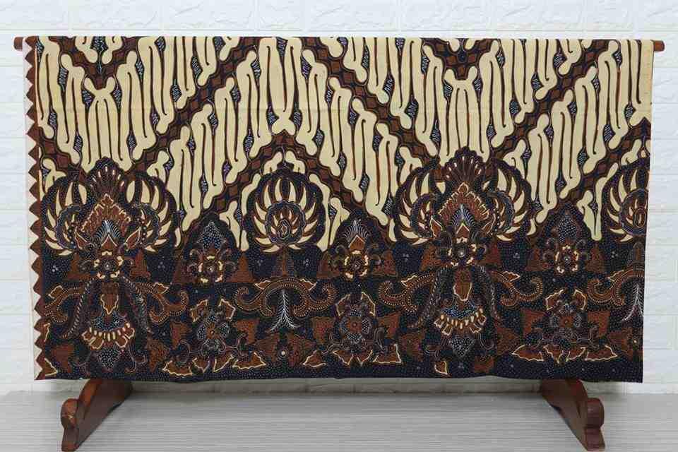 Tehnik pembuatan Seragam batik Tangerang menggunakan plangkan