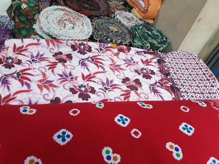 Batik Solo murah dengan tehnik plangkan atau handprint