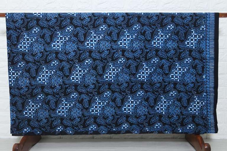 Batik modern di Batikdlidir tehnik cap