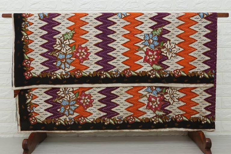 Batik modern di Batikdlidir