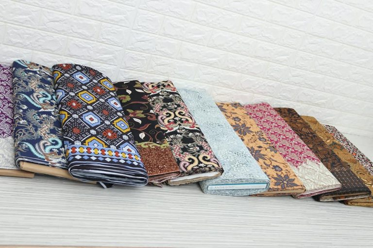 Batik modern wanita di Batikdlidir