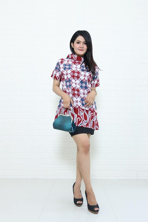 Seragam batik wanita modern lengkap di Batikdlidir