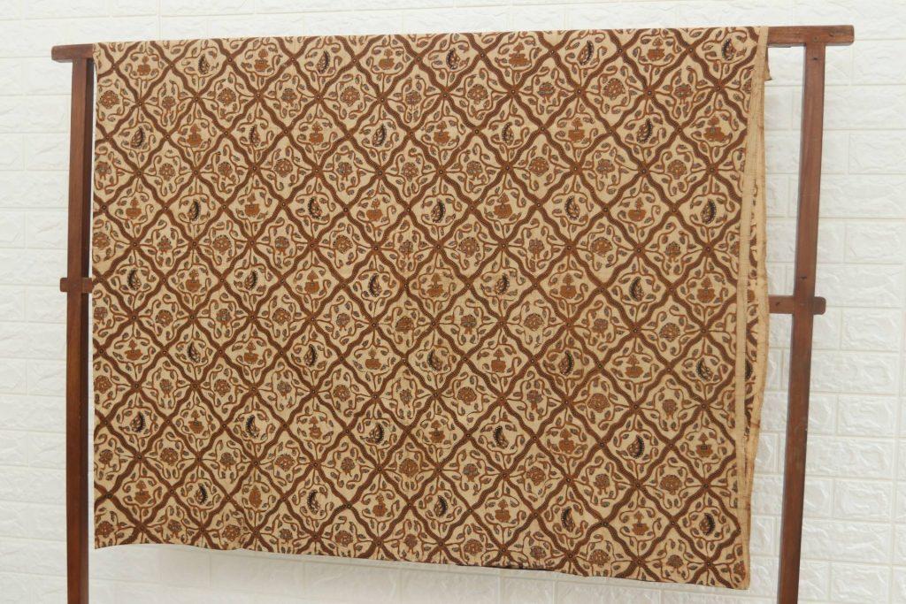 kain batik sarimbit
