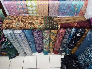 seragam batik smp berupa kain