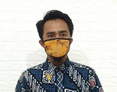 Masker batik bahan kain katun yang nyaman dan aman optimal