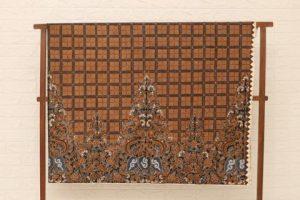 Batik Tulis Pekalongan Full Granit Memiliki Motif Titik-Titik